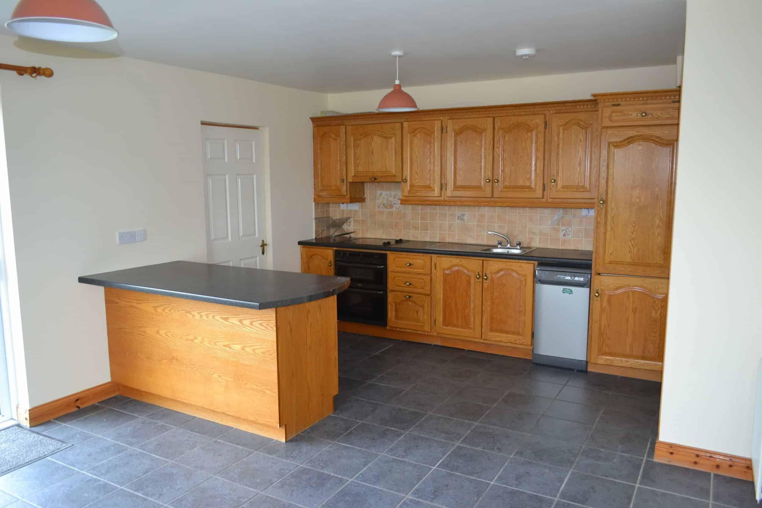 Kitchen appliances galway kitchen appliances galway for Kommode yoga iv